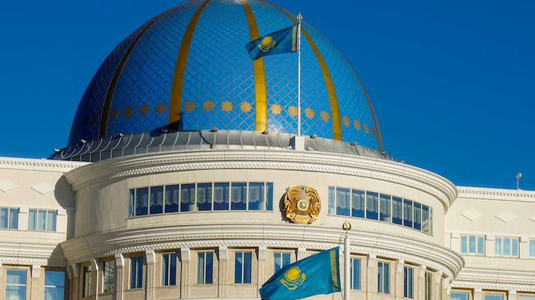Wyborcza: Назарбаев выбрал латиницу в угоду казахскому «поколению независимости»