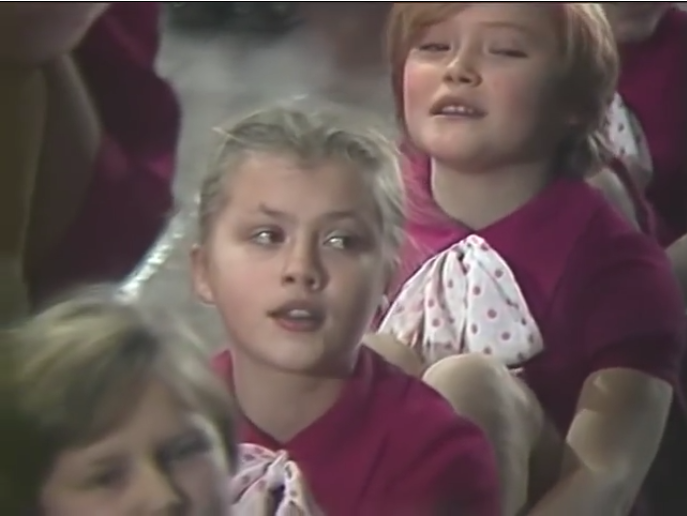Крылатые качели — кто помнит эту песню?