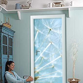 индивидуальный дизайн вашей двери с помощью наклеек