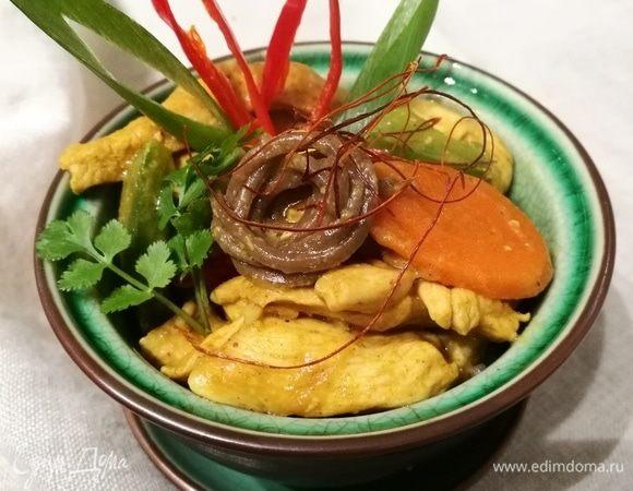 Куриное филе под арахисовым соусом