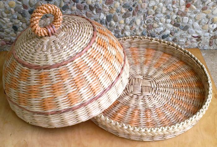 Плетение из газет. Овальные и круглые ХЛЕБНИЦЫ с крышками. Мастер-классы (14) (700x473, 490Kb)