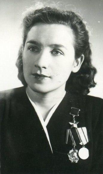 Она стала Героем СССР в 22 г…