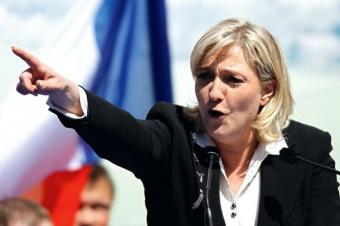 Мари Ле Пен плюнула в лицо Меркель под аплодисменты европейского парламента