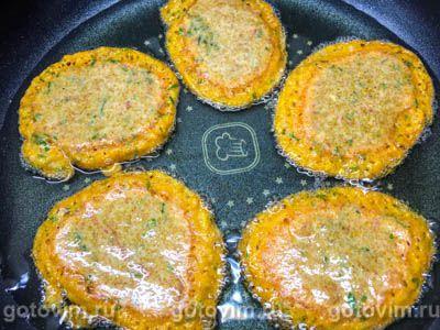 Котлеты из икры карася, жаренные на сковороде, Шаг 05