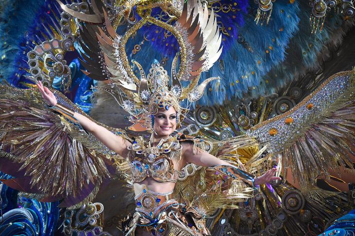 Красочные карнавалы и парады…