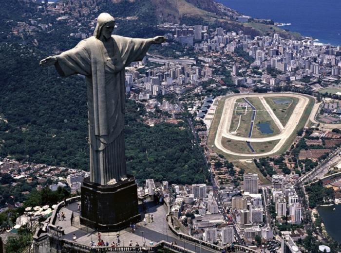 Бразильский Христос-Искупитель.