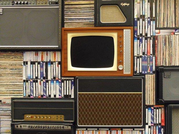 «Нам что-то втюхивают»: Половина россиян не верит телеящику