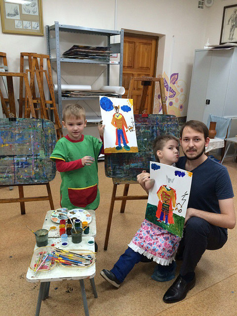 «У мальчика нет ручек, но он любит жить»: сызранец шесть дней учил рисовать детей с ограниченными возможностями здоровья