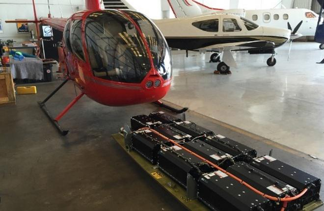 В США испытали вертолет R44 с электродвигателями