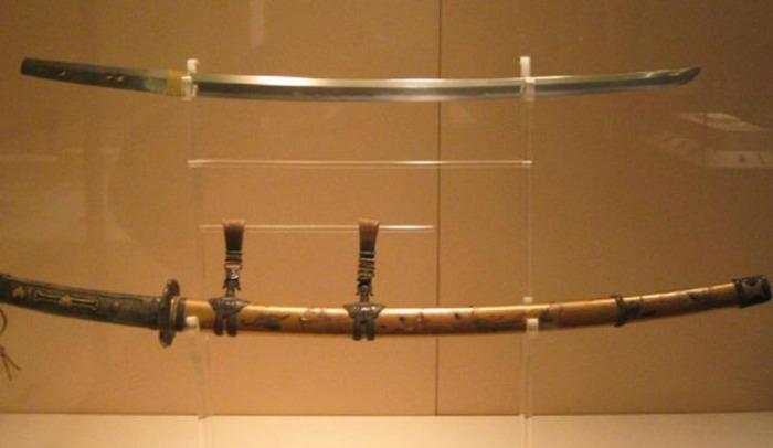 10 самых дорогих предметов средневекового оружия