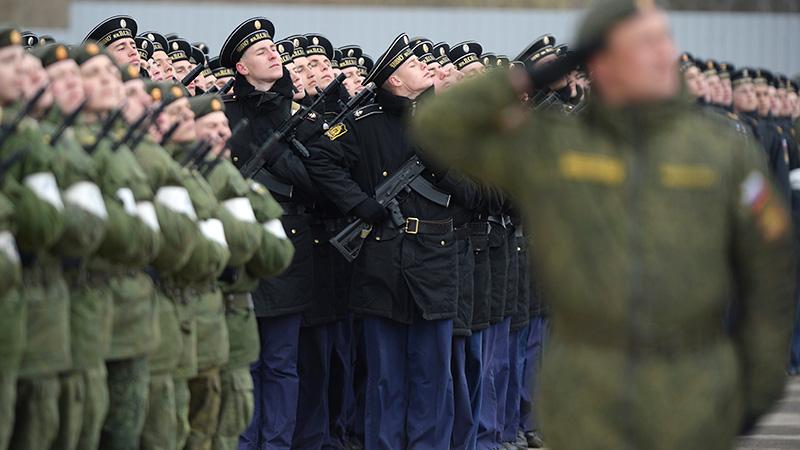 Безработный? Иди служить!: Путин увеличил численность Вооруженных сил России до 1,9 млн человек