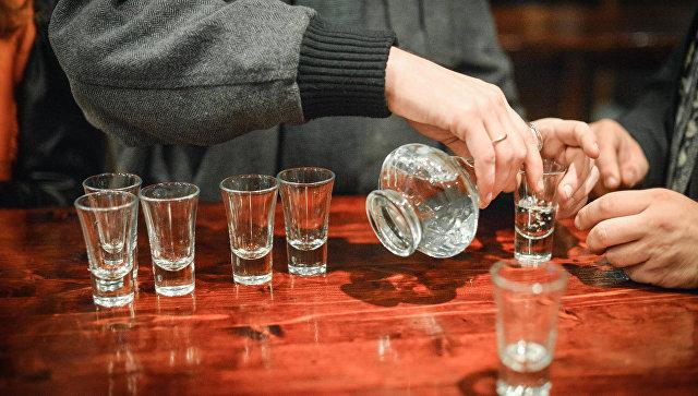 """Bloomberg: европейцы в буквальном смысле """"напиваются до смерти"""""""
