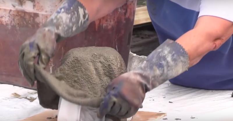 Удивительную штуку можно сделать из полотенца, пропитанного цементным раствором (5 фото)