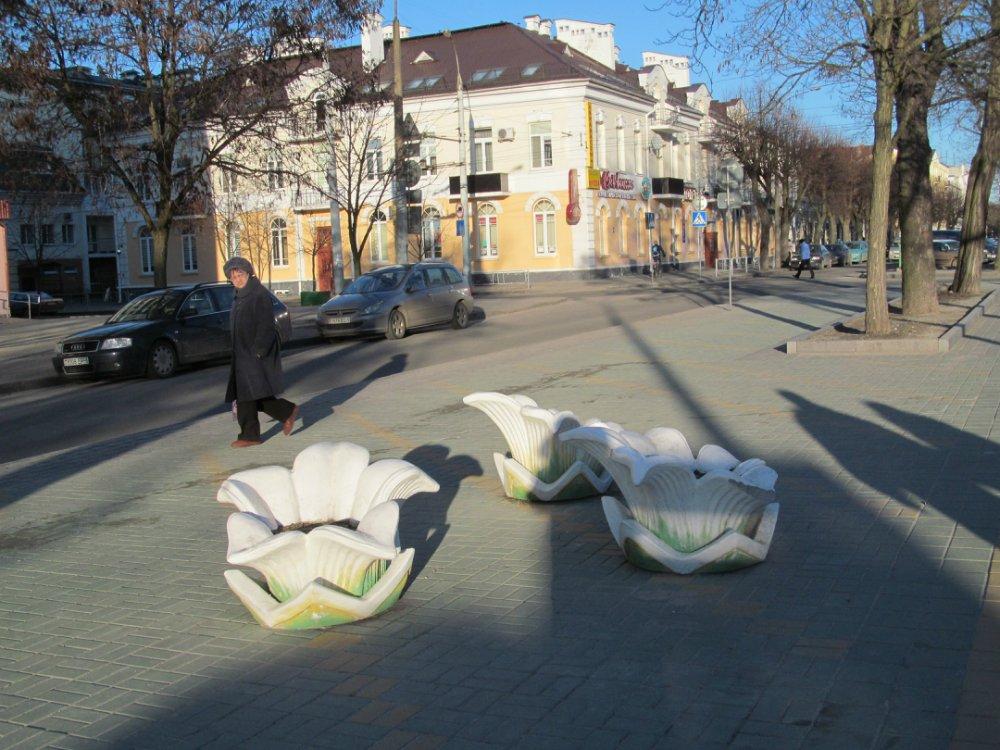 Приезжих с Украины поражает чистота тротуаров Андрей Селезов