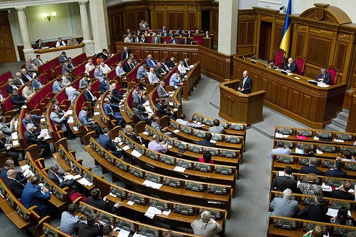 В Парламенте Украины обсудят закон об обязательном использовании украинского языка