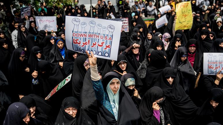 Bloomberg о юбилее иранской революции: надменный нарциссизм Запада сделал «столкновение цивилизаций»