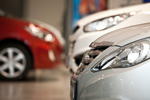 В России 23 автомобильных бренда изменили цены