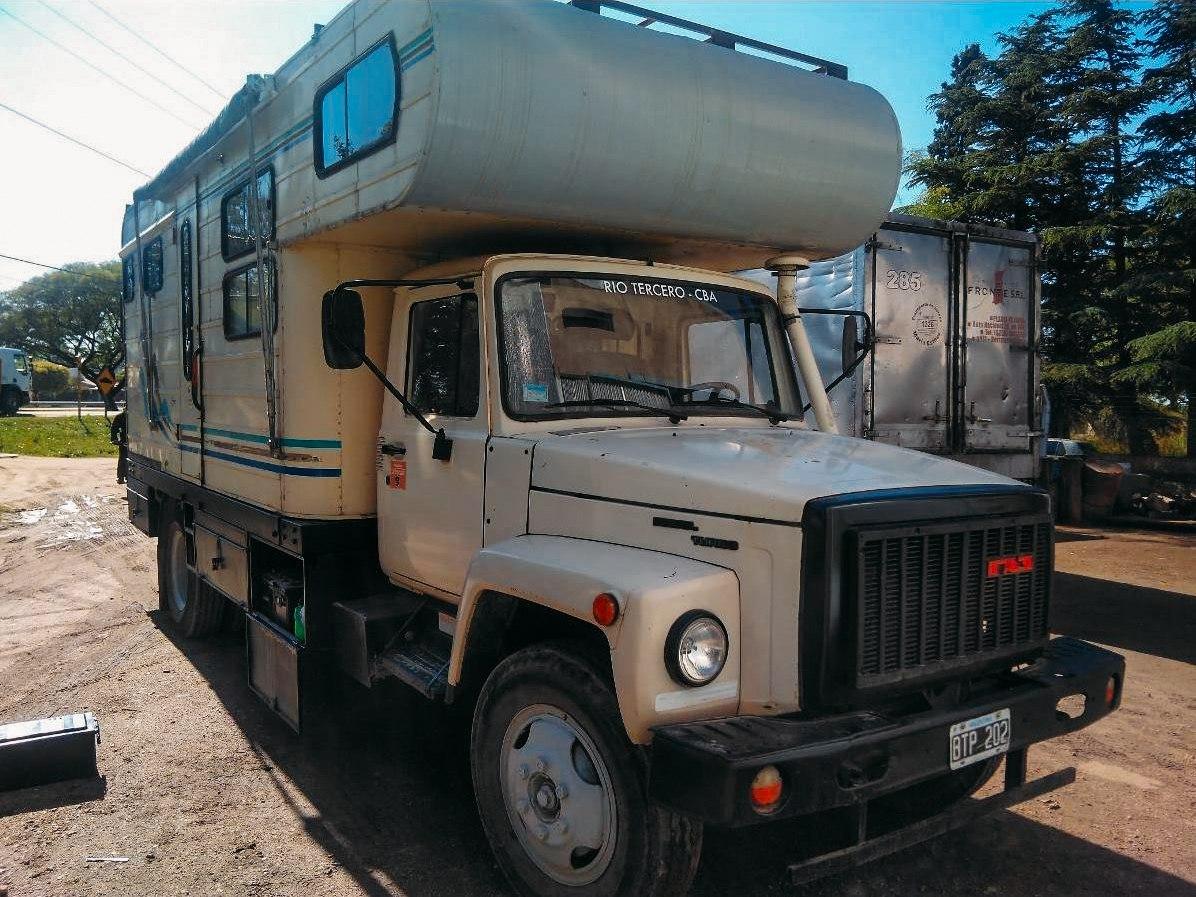 ГАЗ-3309 переоборудованный в дом на колёсах
