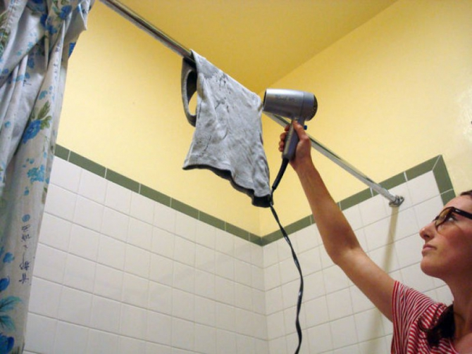 12 способов, как очистить жвачку от одежды