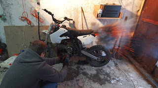 Что будет, если в мотоцикл залить авиационное топливо ?