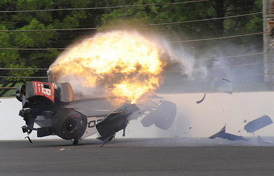 Гонщик на этапе Indy 500 выжил после аварии на скорости 370 км/ч