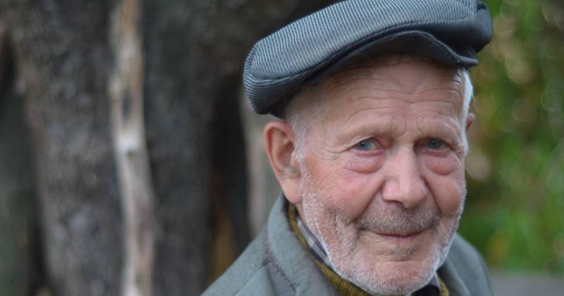 Хочу в старости превратиться в такого же весёлого деда