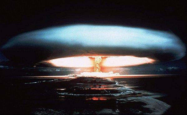 Express: Сколько людей погибнет, если Трамп нанесет по КНДР ядерный удар?