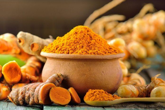 Как сделать чай из куркумы и корицы для избавления от воспаления естественным способом