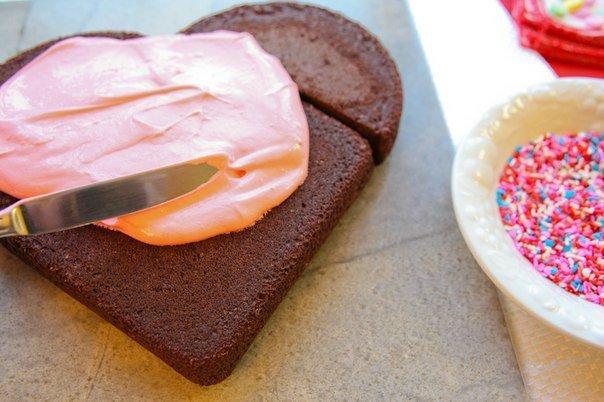 7c618e83092c Как легко  сделать торт в виде сердца. Мастер класс
