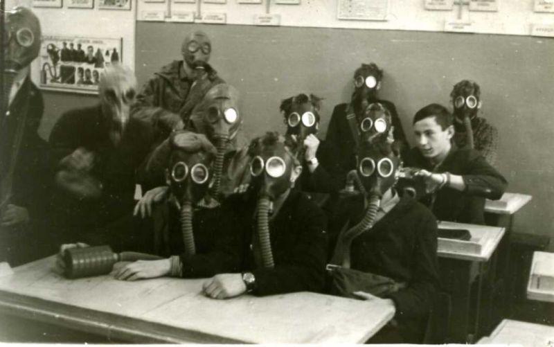 В советских школах начальную военную подготовку проходили даже девушки