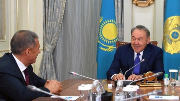 «Тесные отношения»: Назарбаев собрался вТатарстан