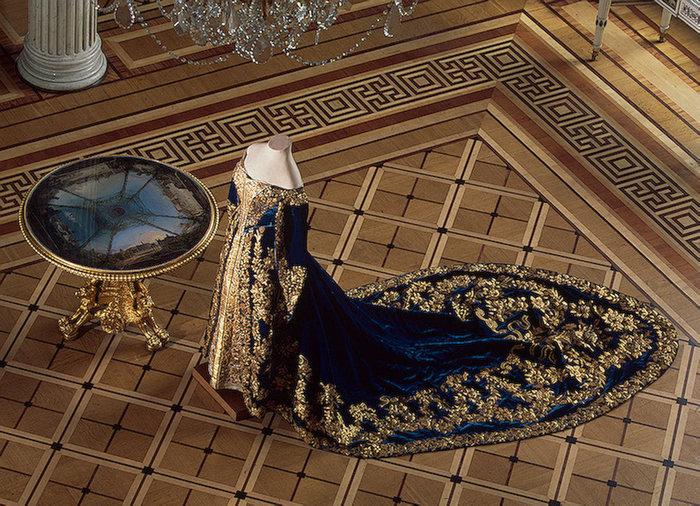 Пошлая царица татьяна и трах с придворными смотреть онлайн 18 фотография