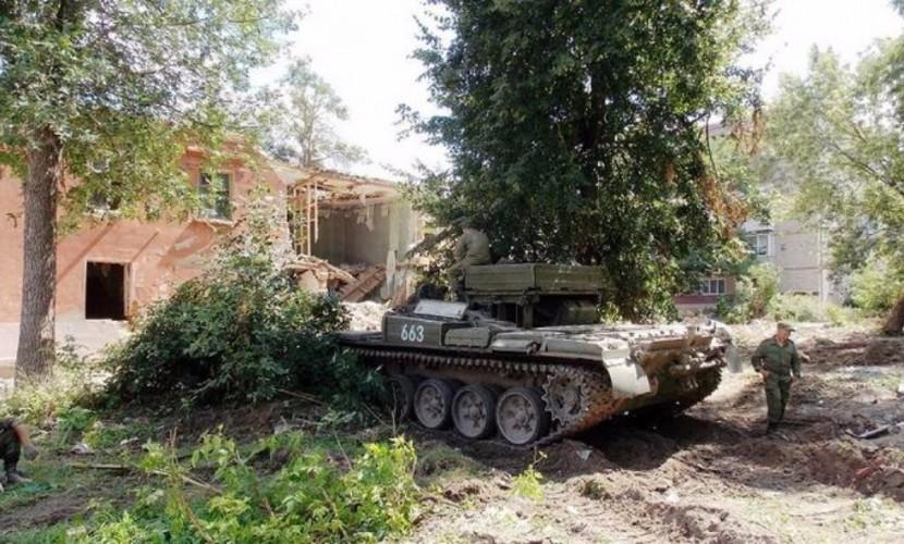 Танки уничтожили жилые дома в Брянской области на глазах у шокированных местных жителей