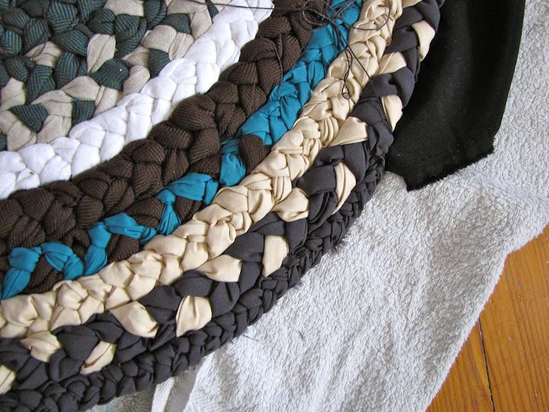 Коврик плетеный из старых джинсов