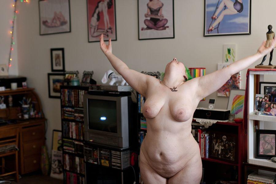 Фото обычные голые девушки