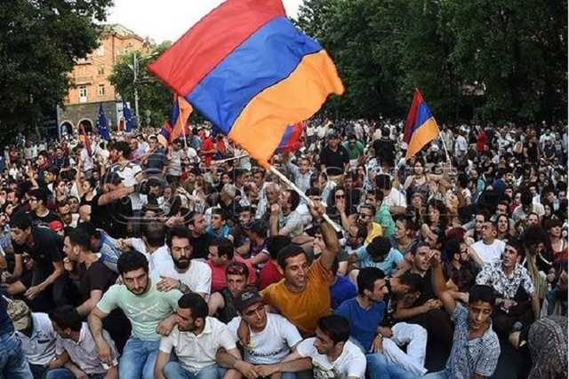 Революция в Армении: реакции власти РФ, оппозиции и Запада