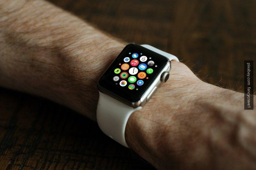 Samsung выпустит «умные» часы с функцией электрокардиографии