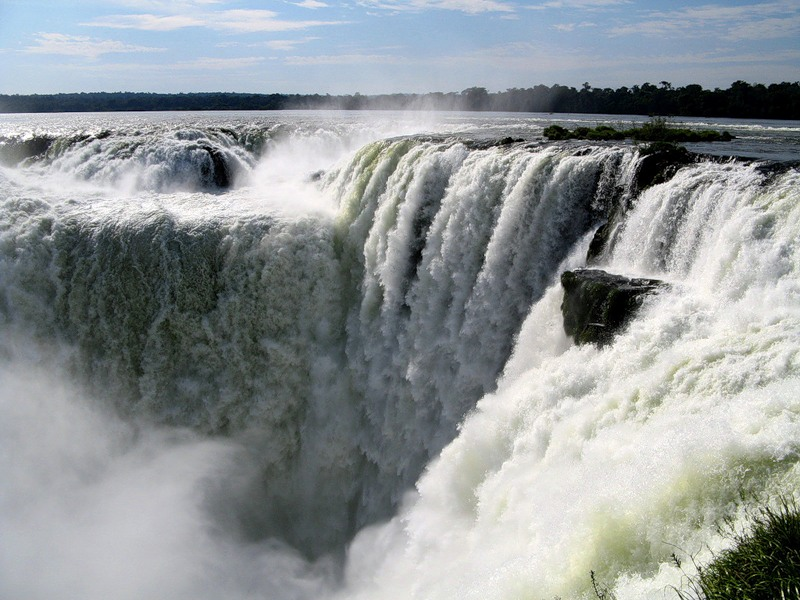 Водопад Игуасу в Бразилии. Фото