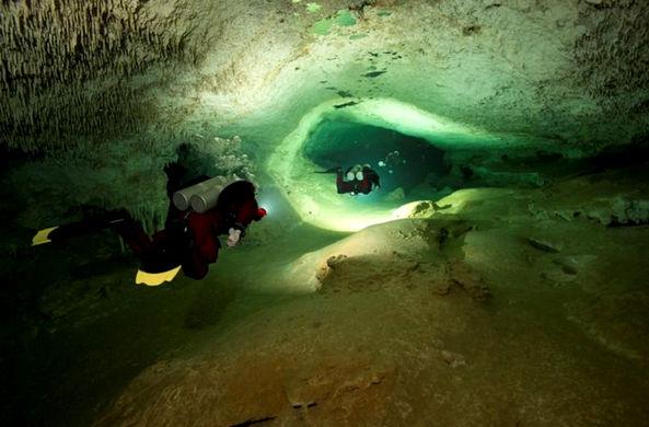Найдена самая большая подводная пещера в мире