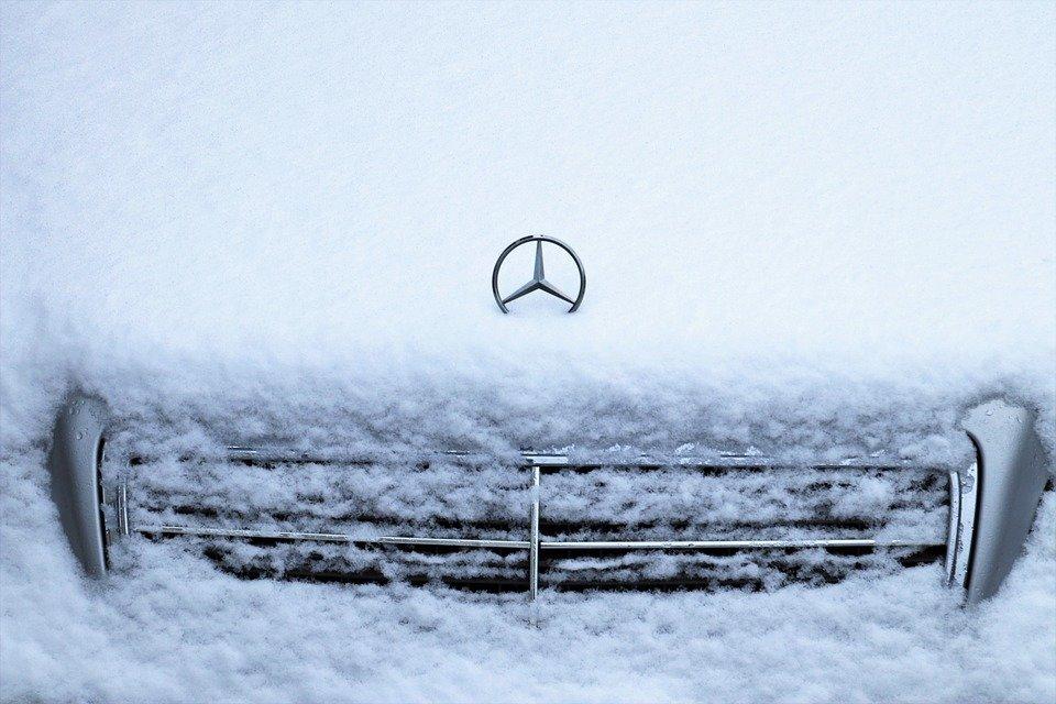 Автоэксперты дали 4 совета по запуску двигателя зимой