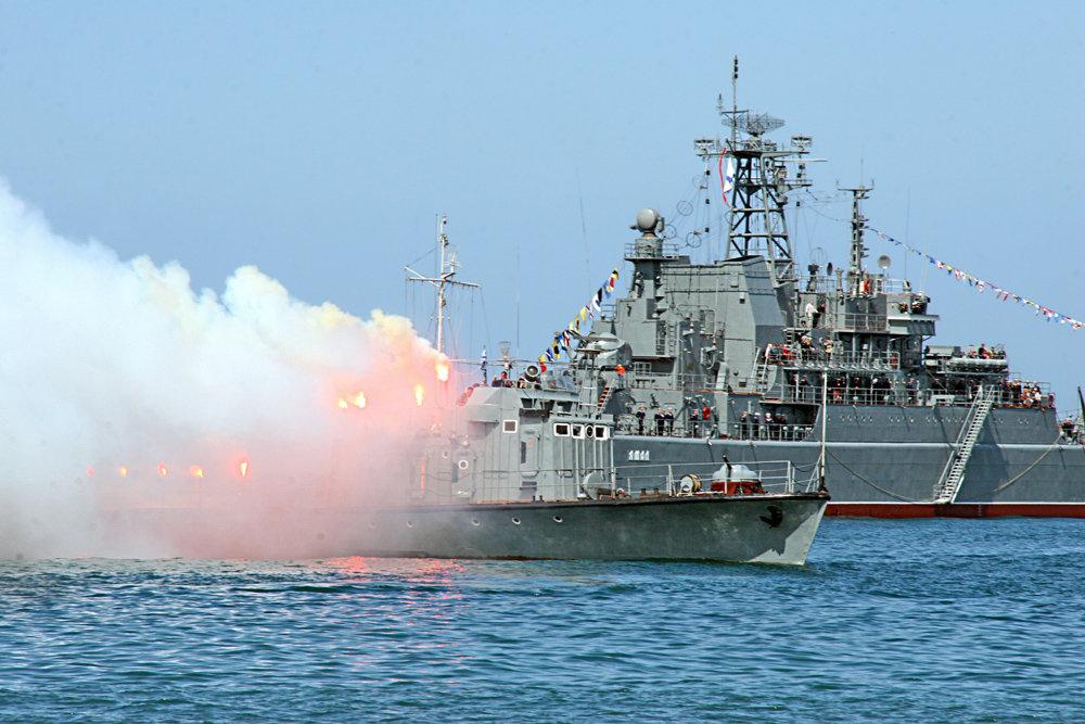 ЧФ сообщил о столкновении корабля с сухогрузом в Эгейском море