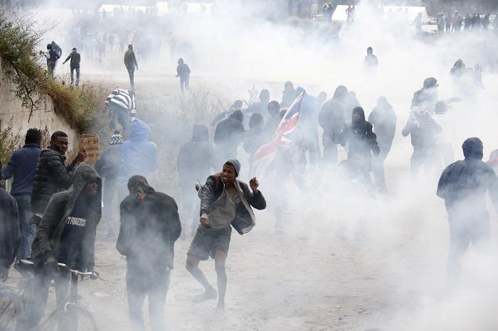 Во Франции произошло столкновение между полицией и мигрантами