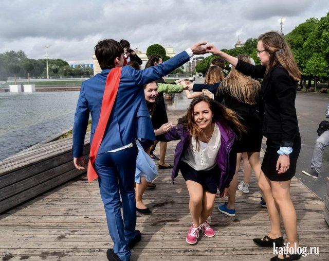 Пьяные бантики или последний звонок 2017 (45 фото)