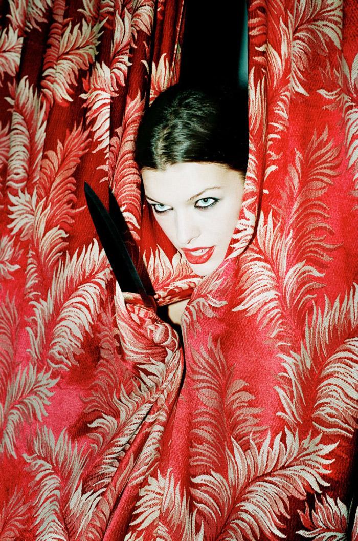 Милла Йовович (Milla Jovovich) в фотосессии Криса Флойда (Chris Floyd), фото 1