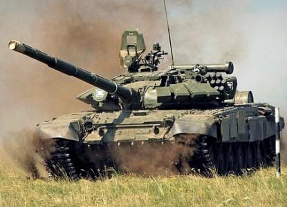 Несущийся на всех парах сирийский Т-72 подбит выстрелом из TOW
