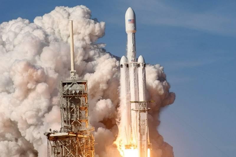 Маску не удалось переплюнуть сверхтяжелые ракеты СССР