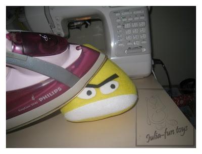 Шьём сердитого жёлтого (птичка из Angry Birds). МК и выкройка