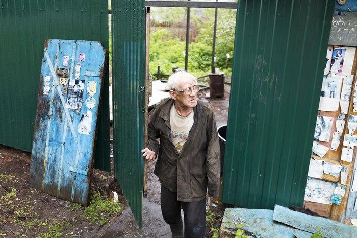 Ярославцы собрали деньги на дом ветерану: на стройку явилась полиция