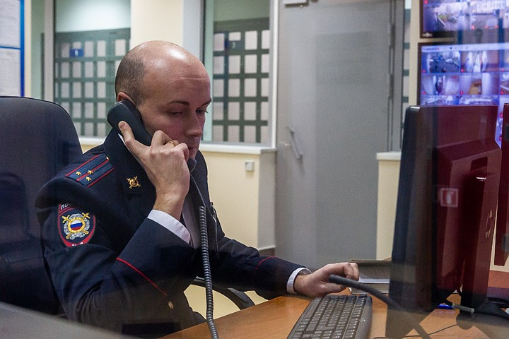 У москвича из загородного дома похитили бутылку вина за 160 тысяч рублей