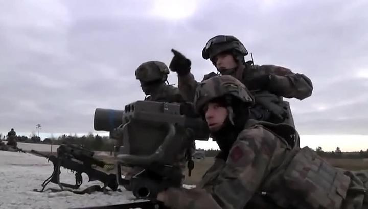 """В Эстонии увидели """"руку Москвы"""" в возможных драках военных НАТО с местными"""